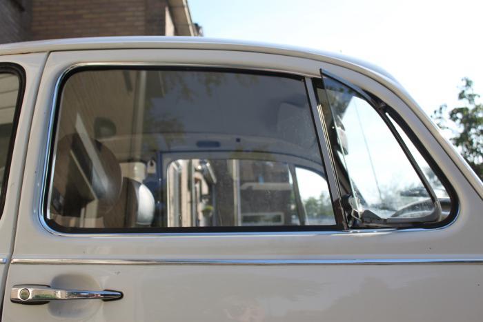 Sametka OE/stahování skla dveří/P - Typ 1 (1964 » 03)