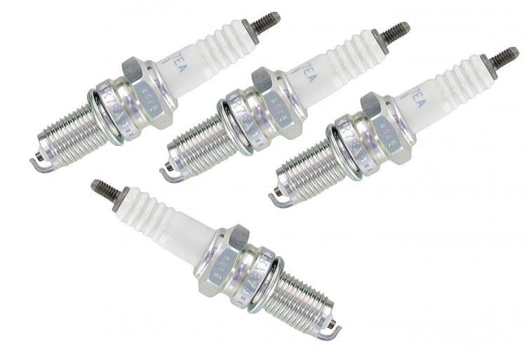 Svíčky zapalovací/D8EA - Typ 1/3/CT/CZ motory (M12x20mm)
