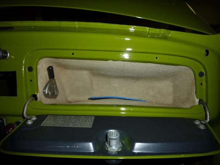 Dorazy/odkládací schránka/kryt paliva - Typ 1/2/3 (» 2003)