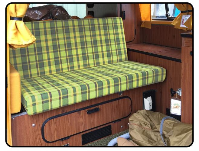 Pohovka+lůžko zelené/žlutá kostka - Typ 2 Westfalia (1967 » 79)